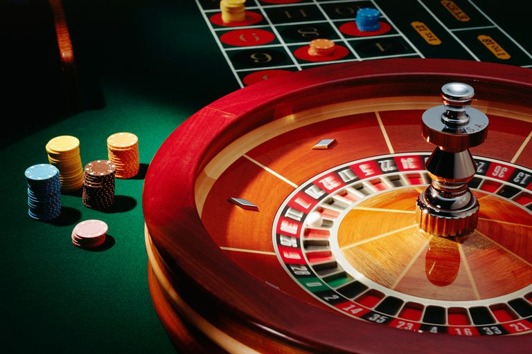 Diy roulette table and casino chips zwitserland casino blogger but what if you did not actually have to go to a casino to play your favourite gambling game this would save a lot of time solutioingenieria Choice Image